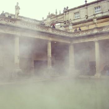 Путешествие в Бат, Великобритания. Единственное место в стране, где был найден горячий термальный источник.